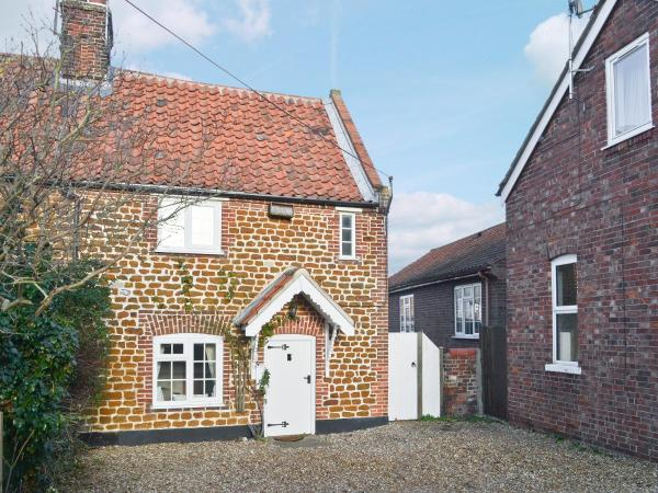 Sweet Pea Cottage in Heacham, Norfolk, England