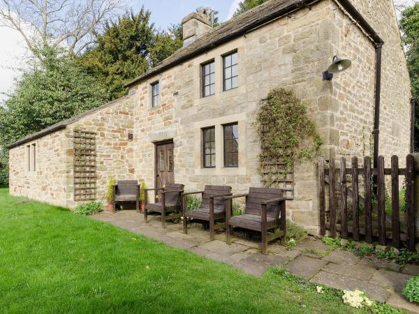 Highbury Cottage in Hathersage, Derbyshire, England