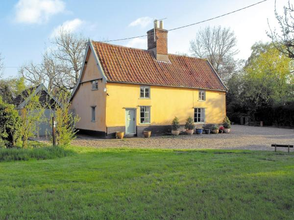 Bell Corner Cottage in Cratfield, Suffolk, England