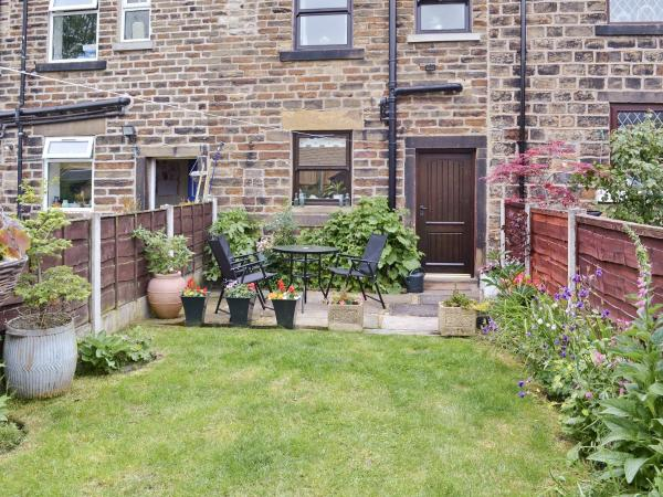 Park View Cottage in Glossop, Derbyshire, England