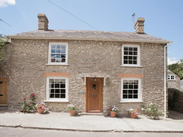 Drood Cottage in Puncknowle, Dorset, England