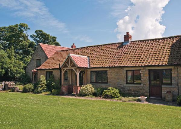 Little Manor Cottage in Allerston, North Yorkshire, England