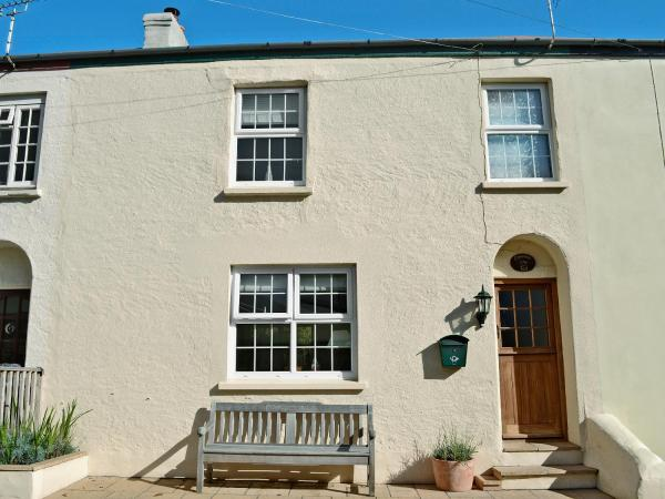 Cinnamon Teal Cottage in Instow, Devon, England
