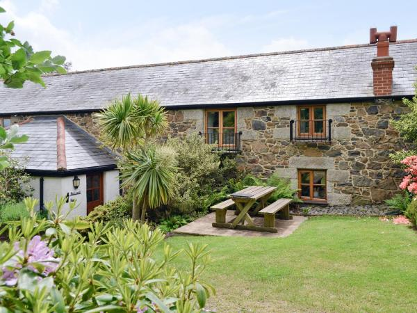 Buzzard Barn in Coverack, Cornwall, England