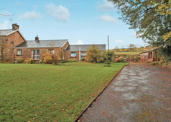 Ty Maen Cottage in Bettws, Bridgend, Wales