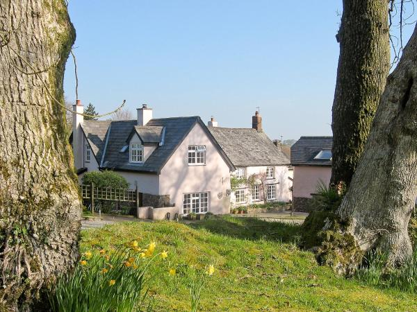 Peartree Cottage in Northlew, Devon, England