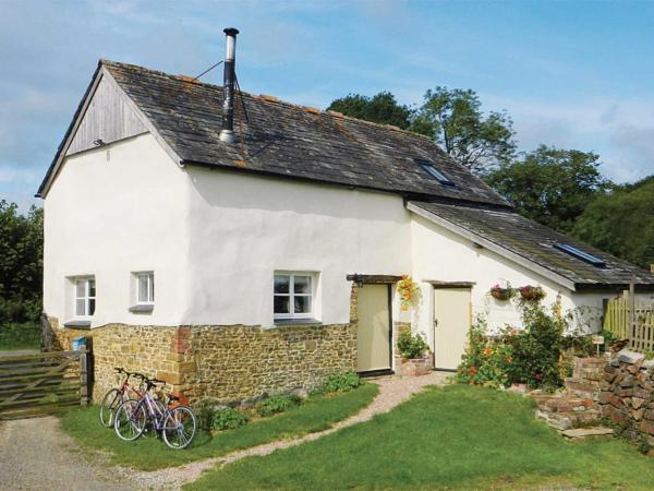 Granny Mcphee'S Cottage in Hollacombe, Devon, England