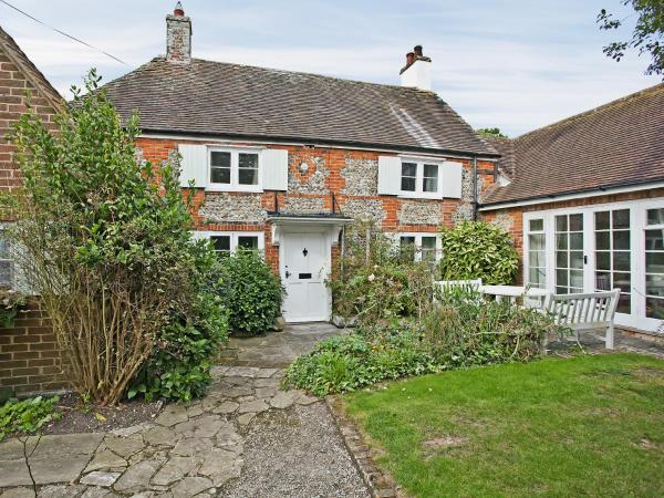 Apple Tree Cottage in West Wittering, West Sussex, England