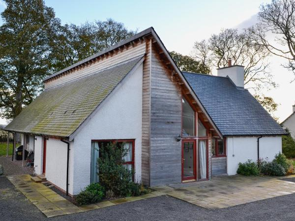 Blossom Cottage in Longforgan, Perth & Kinross, Scotland