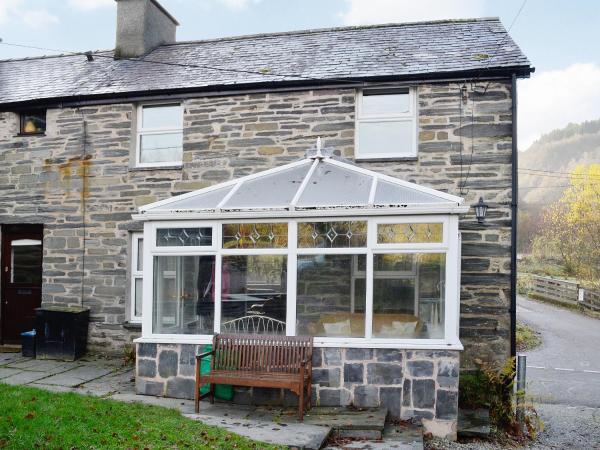 Bron Elan Cottage in Dolwyddelan, Conwy, Wales