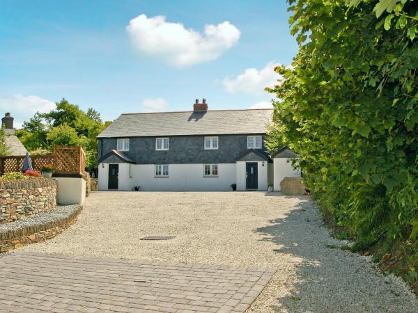 Home Park Farm Cottages A in Camelford, Cornwall, England