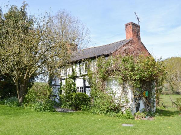 Castle Cottage in Llansantffraid-ym-Mechain, Powys, Wales