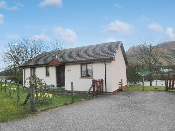 Morar Cottage in Fort William, Highland, Scotland