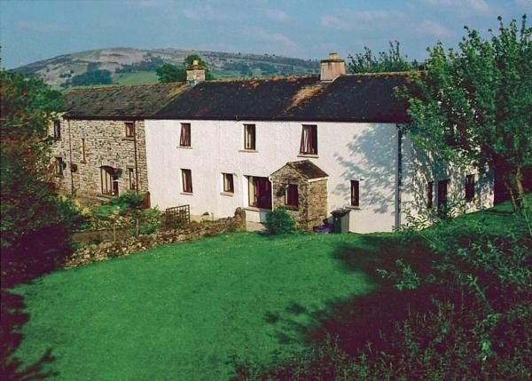 Kiln Green Farmhouse in Crooklands, Cumbria, England