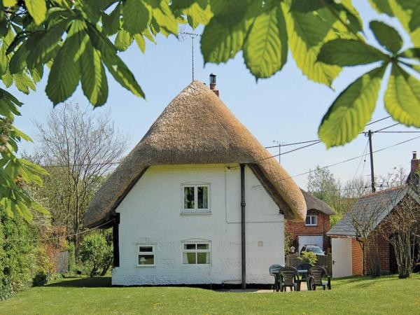 October Cottage in Collingbourne Ducis, Wiltshire, England
