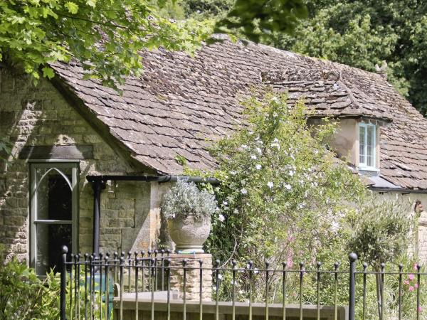 The Downs Barn Lodge in Nailsworth, Gloucestershire, England
