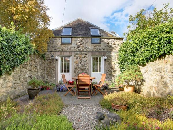Garden Cottage in Linlithgow, West Lothian, Scotland