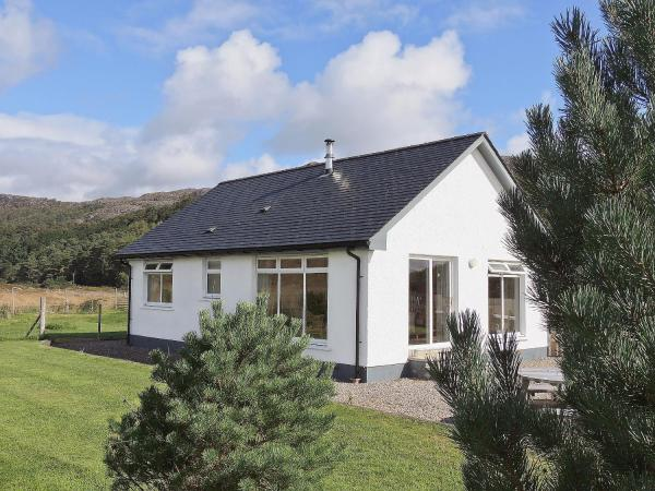 Riverview Cottage in Acharacle, Highland, Scotland