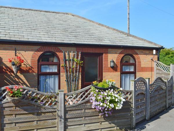 3 Eldin Hall Properties in Scarborough, North Yorkshire, England