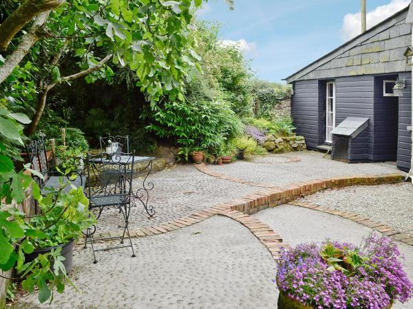 Housekeeper's Cottage in Saint Neot, Cornwall, England