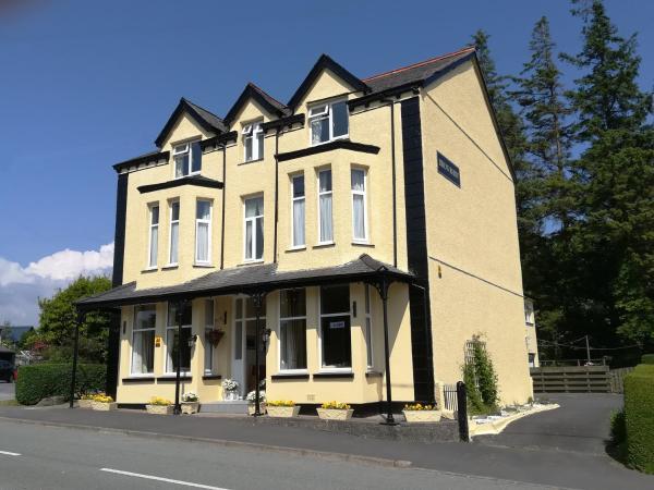 Bron Rhiw Guest House in Criccieth, Gwynedd, Wales