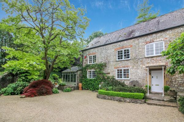 Stay at Penny's Mill in Frome, Somerset, England