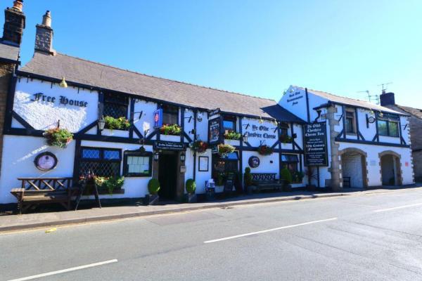 Ye Olde Cheshire Cheese Inn in Castleton, Derbyshire, England