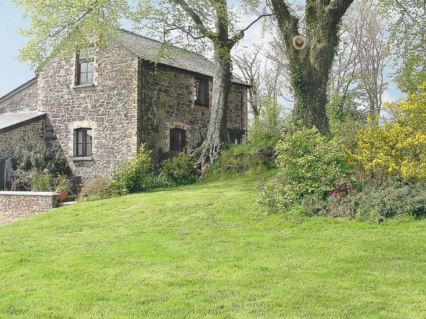 Swallow Cottage in Buckland Brewer, Devon, England