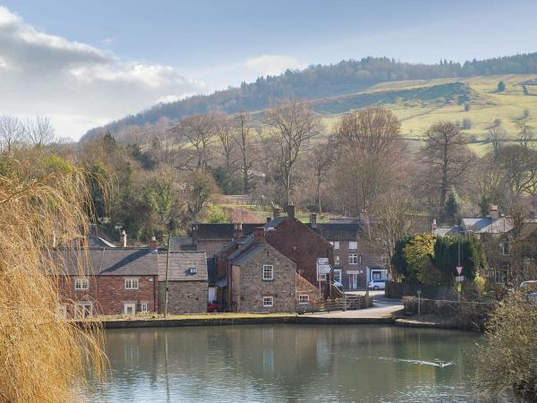 Mill Pond Cottage in Cromford, Derbyshire, England