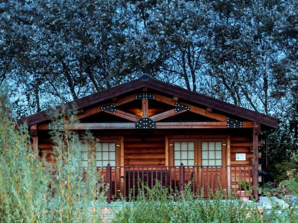 No. 6 Lake View Lodges in Old Leake, Lincolnshire, England