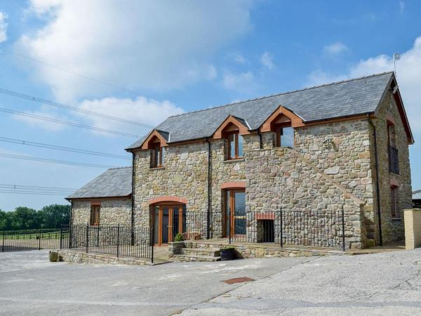 West Rose Barn in Pendine, Carmarthenshire, Wales
