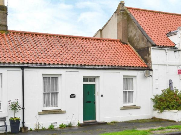 Holly Tree Cottage in Norham, Northumberland, England