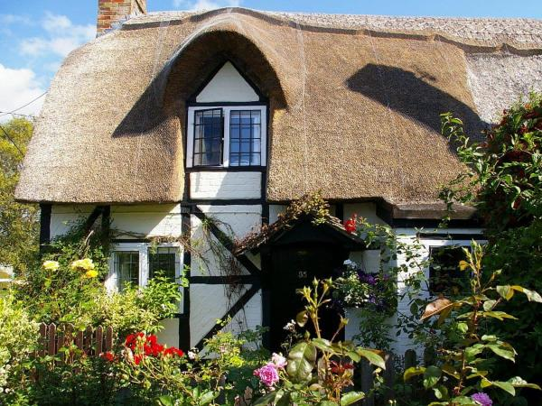 Small Cottage in Hilmarton, Wiltshire, England
