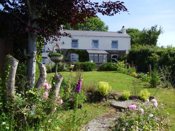 Vine Cottage in Penpillick, Cornwall, England