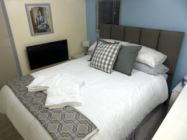 Sea Chest and Cosy Studio Apartments in Littlehampton, West Sussex, England