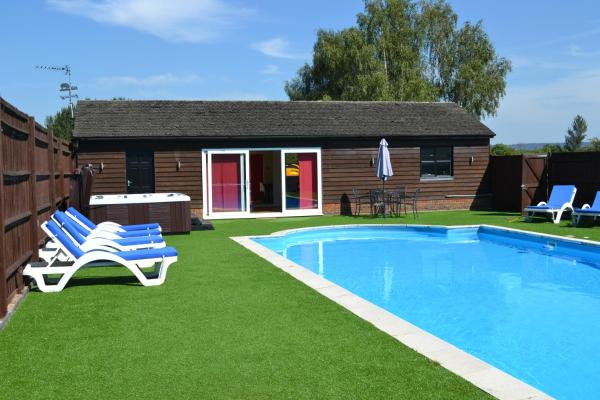 The Pool House @ Upper Farm Henton in Chinnor, Oxfordshire, England