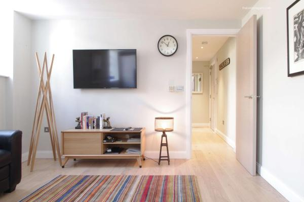 Superb Spitalfields Home E1 in London, Greater London, England
