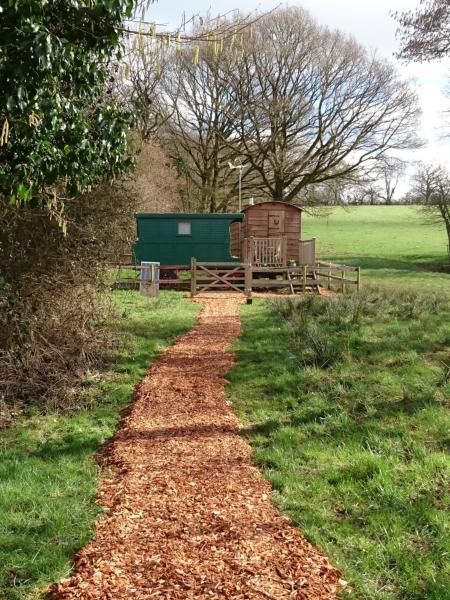 Alice Street Farm Shepherds Hut in Nunney, Somerset, England