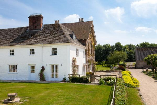 Overtown Manor Bed and Breakfast in Swindon, Wiltshire, England