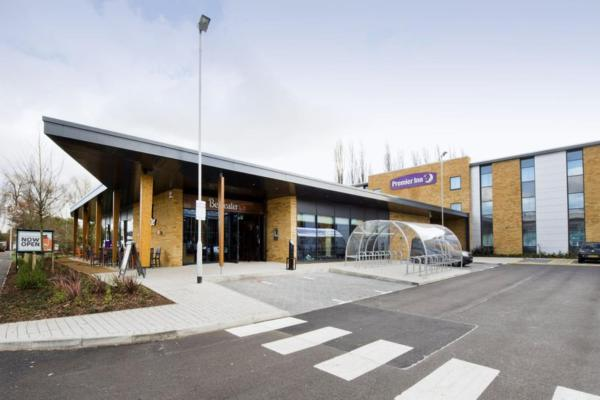Premier Inn London Uxbridge in Uxbridge, Greater London, England