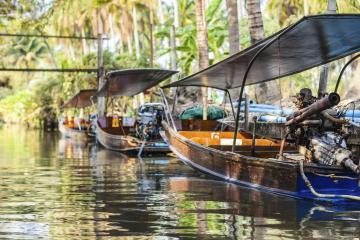 Phra Khanong: Alquiler de coches en 0 lugares de recogida