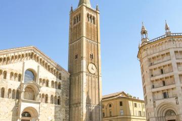 Parma: Noleggio auto in 2 luoghi per il ritiro
