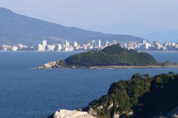 Balneário Camboriú: Aluguel de carro com 2 locais de retirada