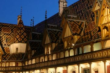Beaune: Car hire in 2 pick-up locations