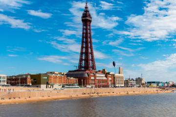 Blackpool: Car hire in 2 pick-up locations