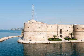 Taranto: Car rentals in 2 pickup locations