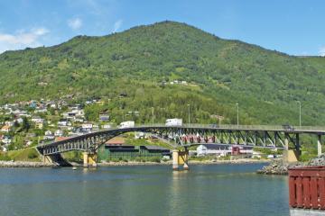 Sogndal: Hent leiebil på et av 3 steder