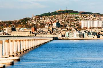 Dundee: Cho thuê ở 2 địa điểm nhận xe