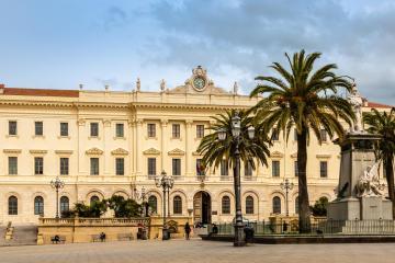 Sassari: Alquiler de coches en 1 lugar de recogida