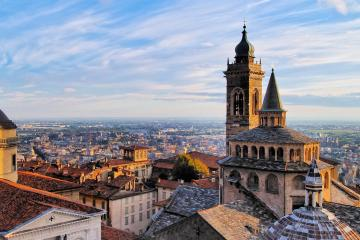 Bergamo: Car hire in 3 pick-up locations